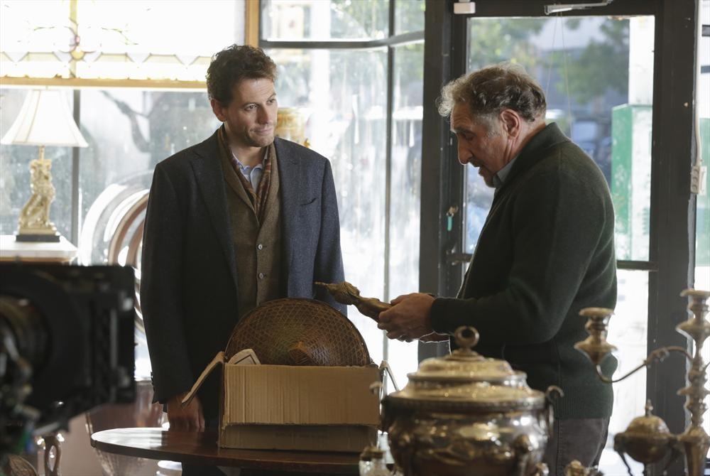 Forever: gli attori Ioan Gruffudd e Judd Hirsch in New York Kids