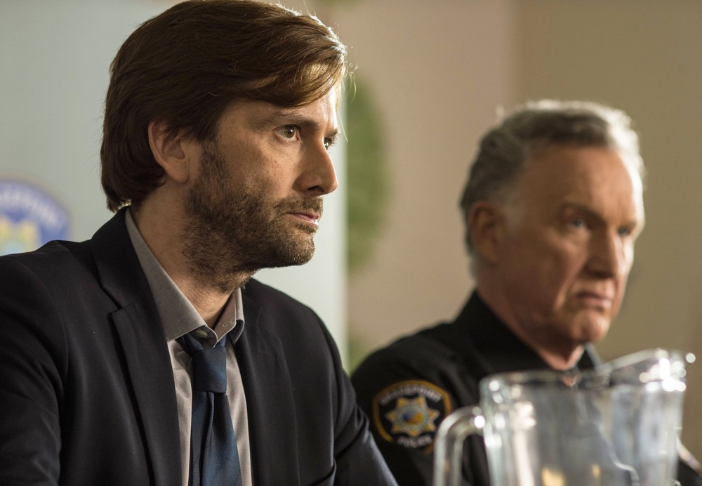 Gracepoint: gli attori David Tennant e Tom Butler nel quinto episodio