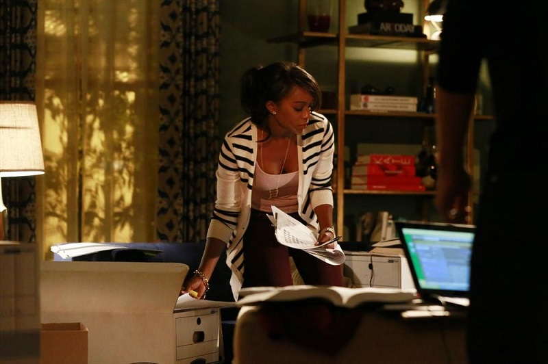 How To Get Away With Murder: l'attrice Aja Naomi King in una scena dell'episodio Freakin' Whack-a-Mole