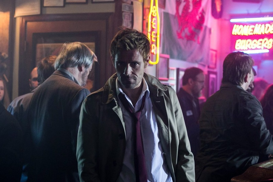 Constantine: Matt Ryan nella puntata intitolata The Darkness Beneath