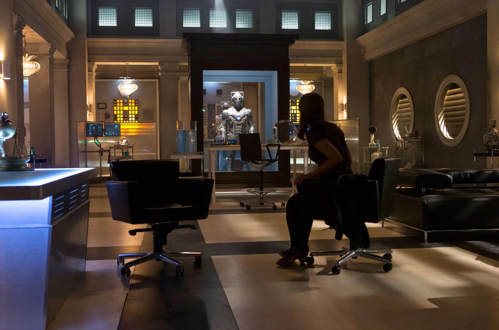 Doctor Who: Jenna-Louise Coleman nella puntata intitolata Dark Water