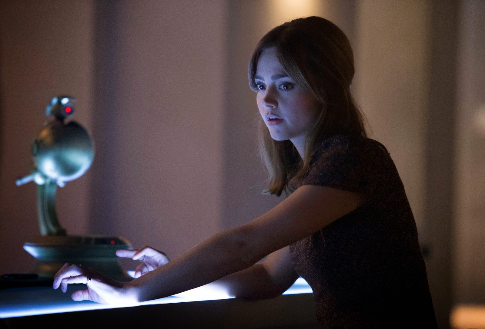 Doctor Who: l'attrice Jenna-Louise Coleman in Dark Water