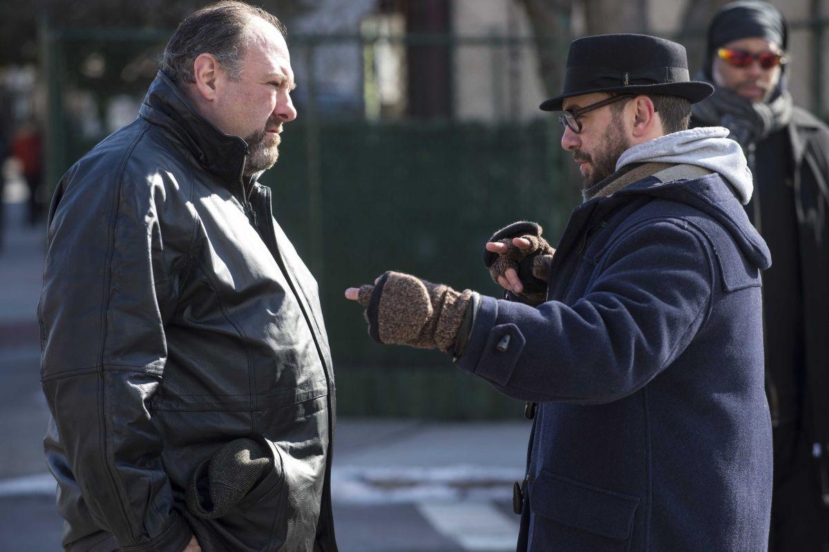 Chi è senza colpa: James Gandolfini col regista Michaël R. Roskam sul set