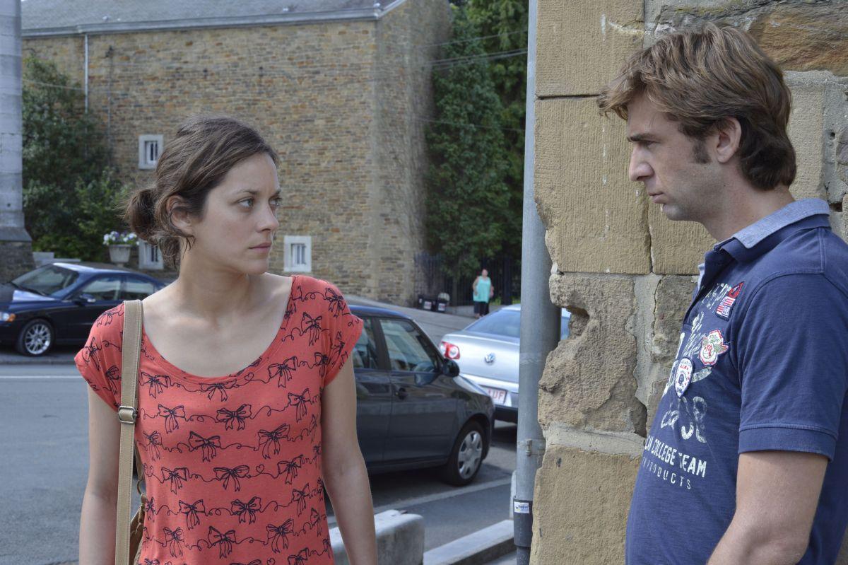 Due giorni, una notte: Marion Cotillard in una scena con Laurent Caron