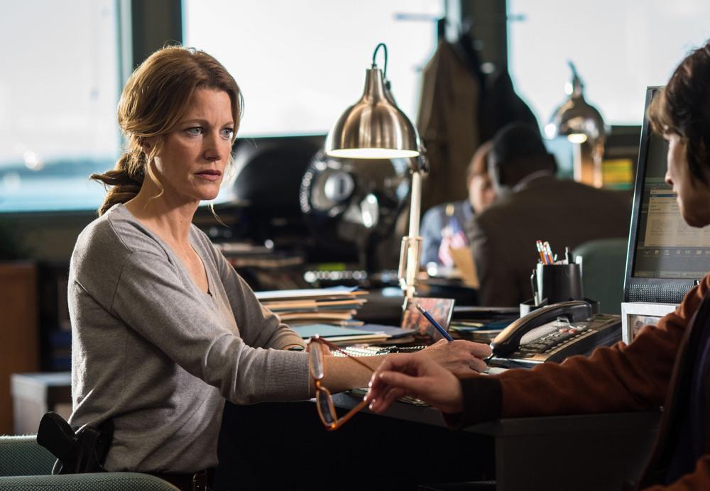 Gracepoint: Anna Gunn in una scena della sesta puntata