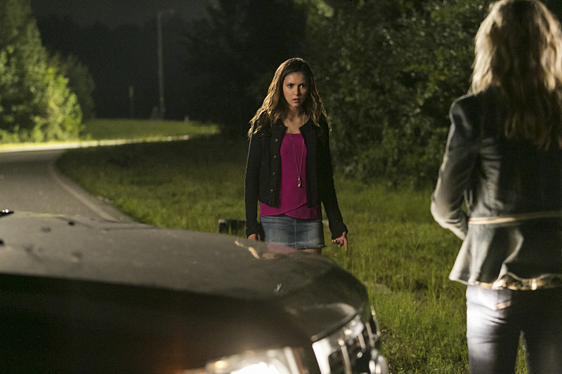 The Vampire Diaries: Nina Dobrev nell'episodio The More You Ignore Me, The Closer I Get