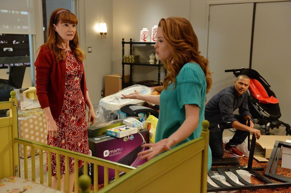 Grey's Anatomy: Connie Ray, Sarah Drew e Jesse Williams nella puntata intitolata Don't Let's Start