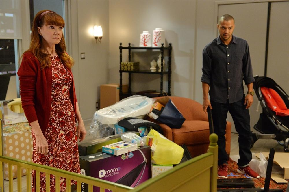 Grey's Anatomy: Connie Ray e Jesse Williams in Don't Let's Start