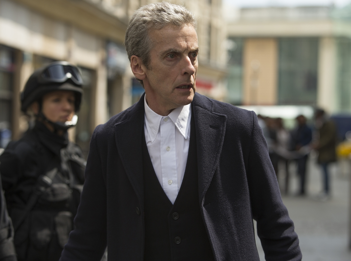 Doctor Who: Peter Capaldi interpreta il Dottore in Death in Heaven