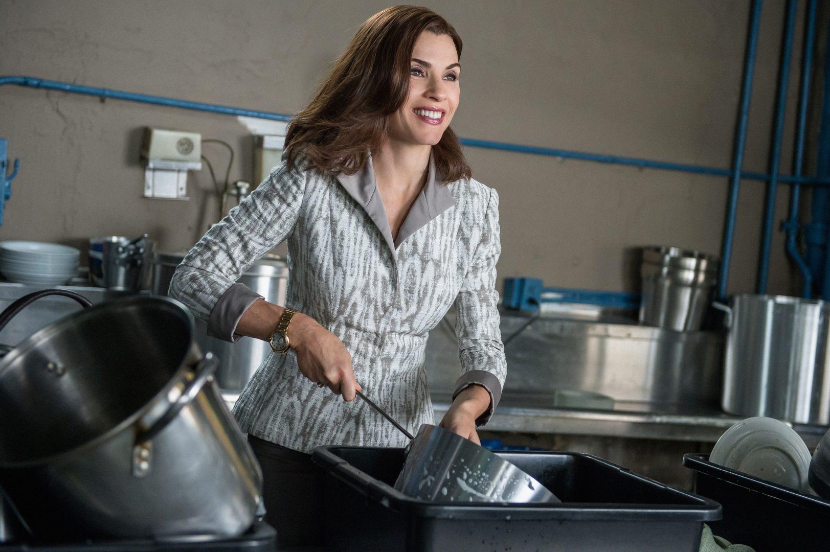 The Good Wife: Julianna Margulies in un momento di Red Zone