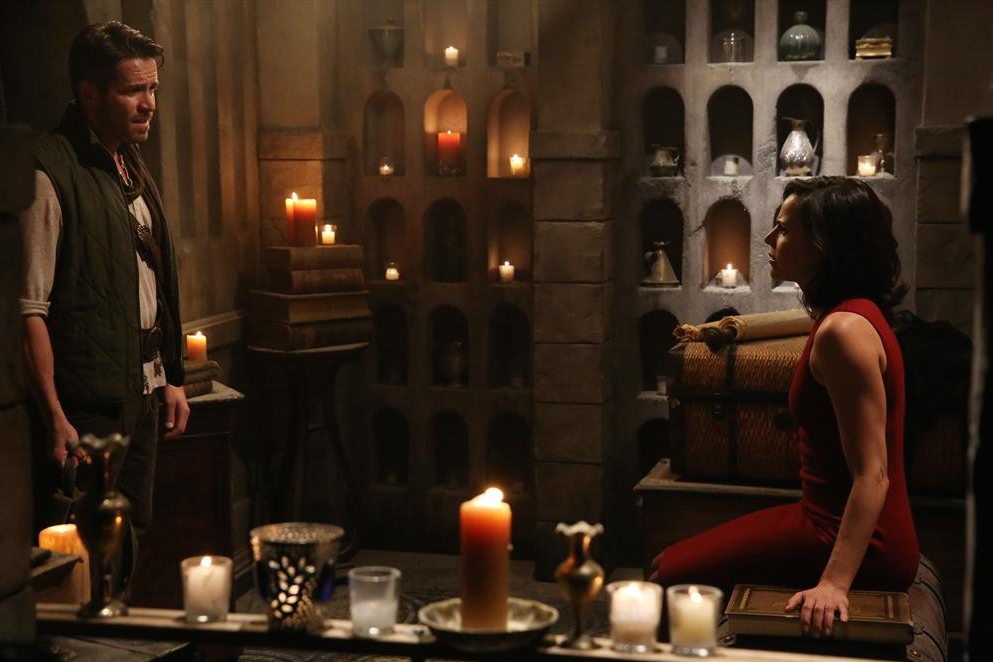 C'era una volta: Sean Maguire e Lana Parrilla in una scena di The Snow Queen