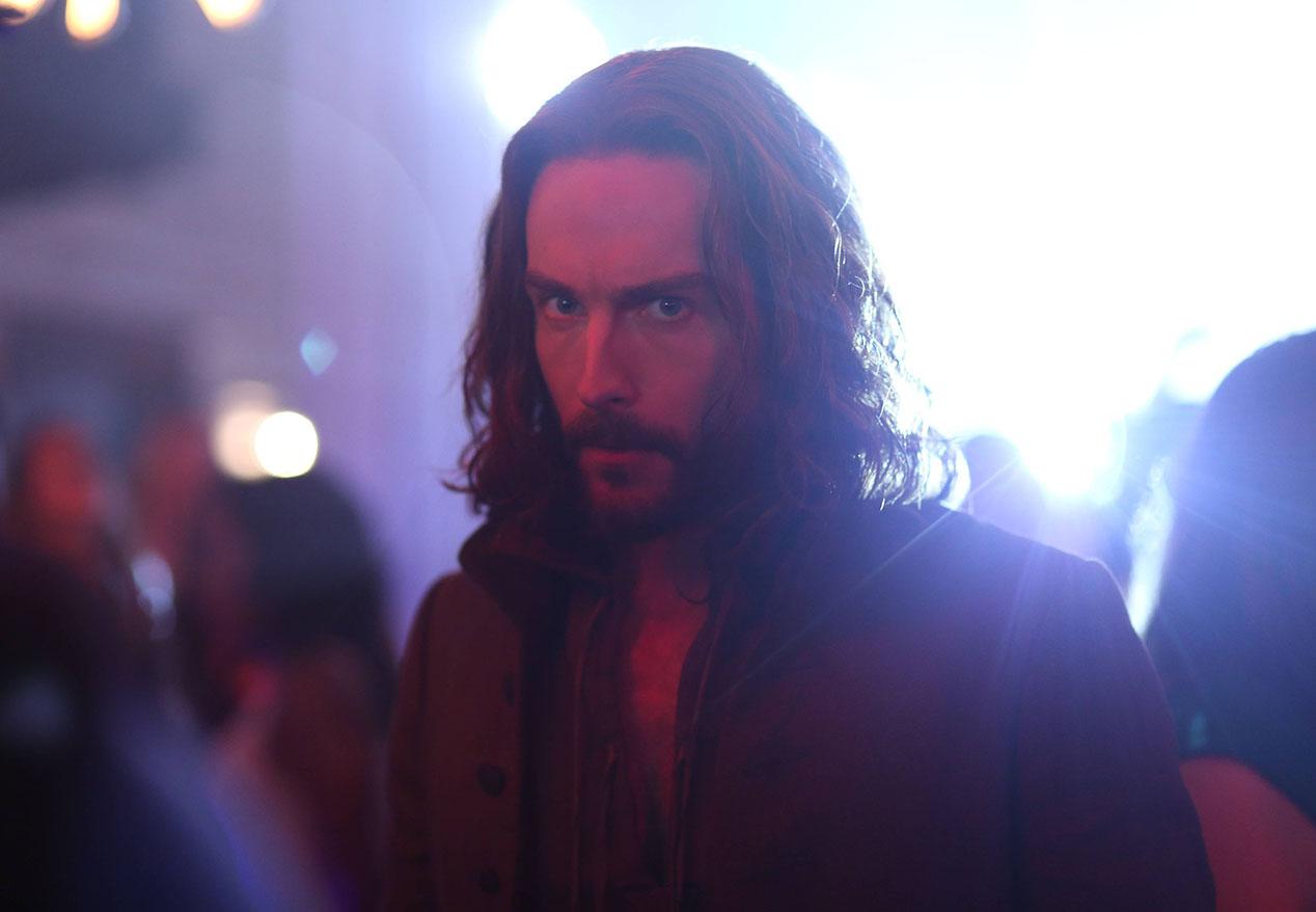 Sleepy Hollow: Tom Mison interpreta Ichabod Crane nell'episodio Heartless