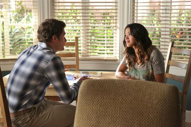 Jane the Virgin: Brett Dier e Gina Rodriguez nella puntata intitolata Chapter Five