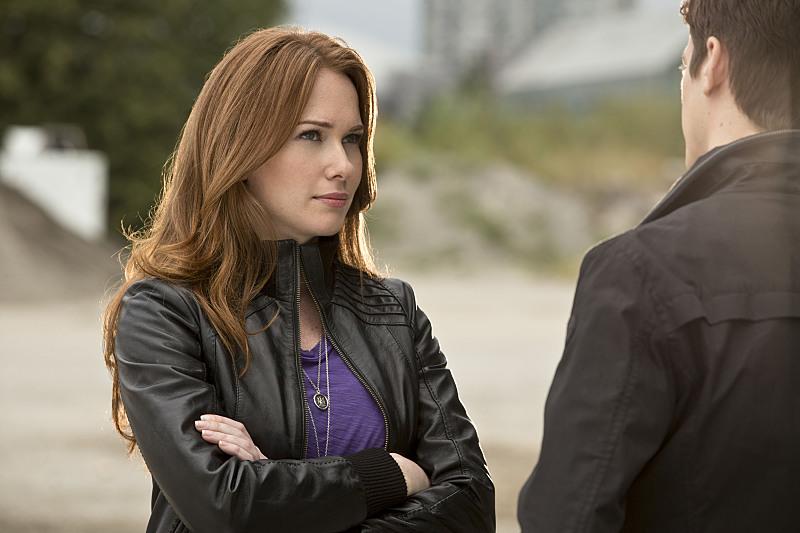 The Flash: Kelly Frye e Grant Gustin nella puntata intitolata Plastique