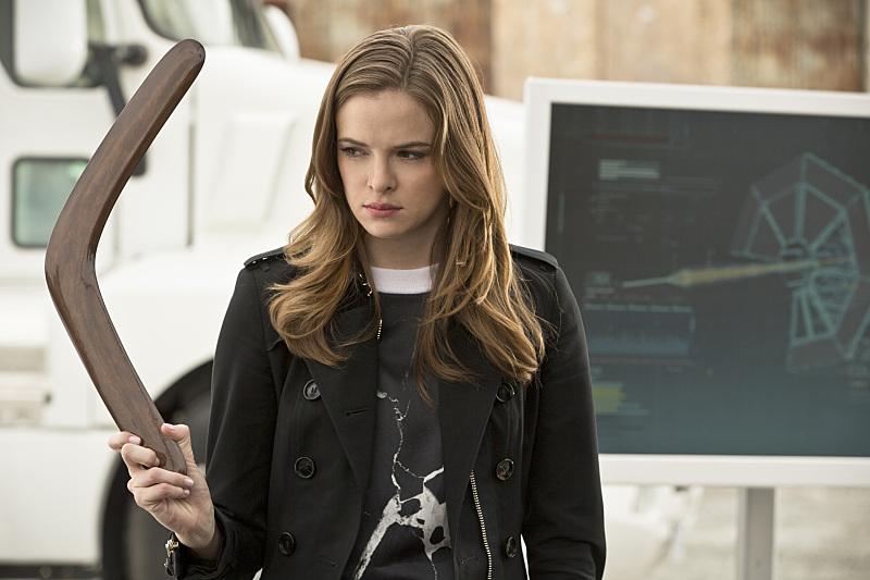 The Flash: Danielle Panabaker in una scena dell'episodio Plastique