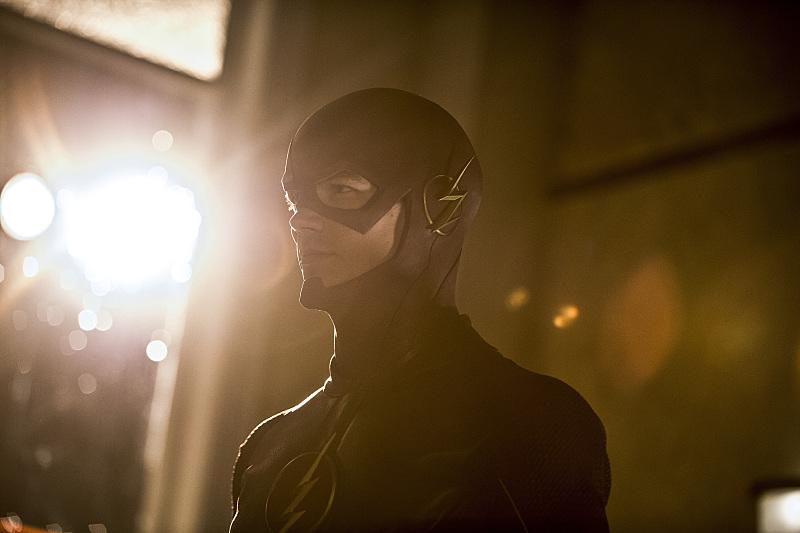 The Flash: l'attore Grant Gustin in una scena dell'episodio Plastique
