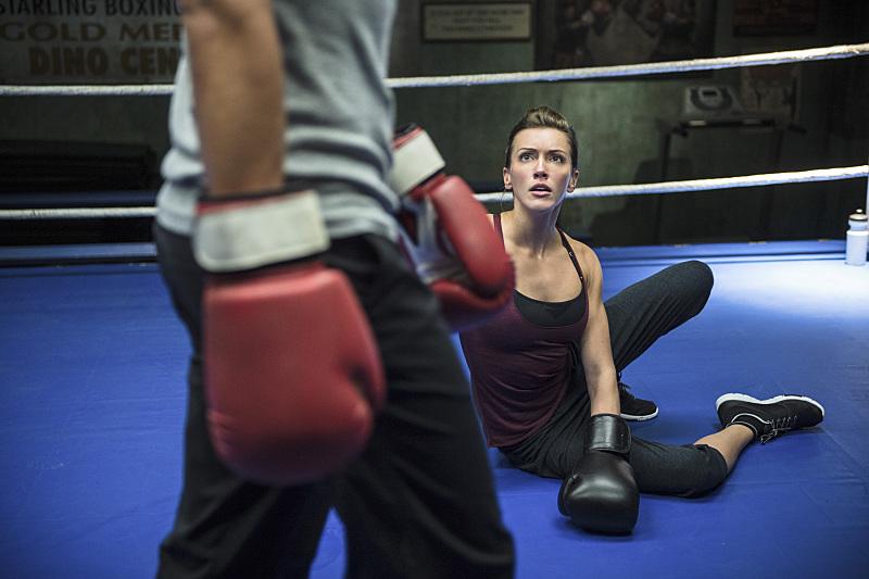 Arrow: Katie Cassidy interpreta Laurel Lance in Guilty