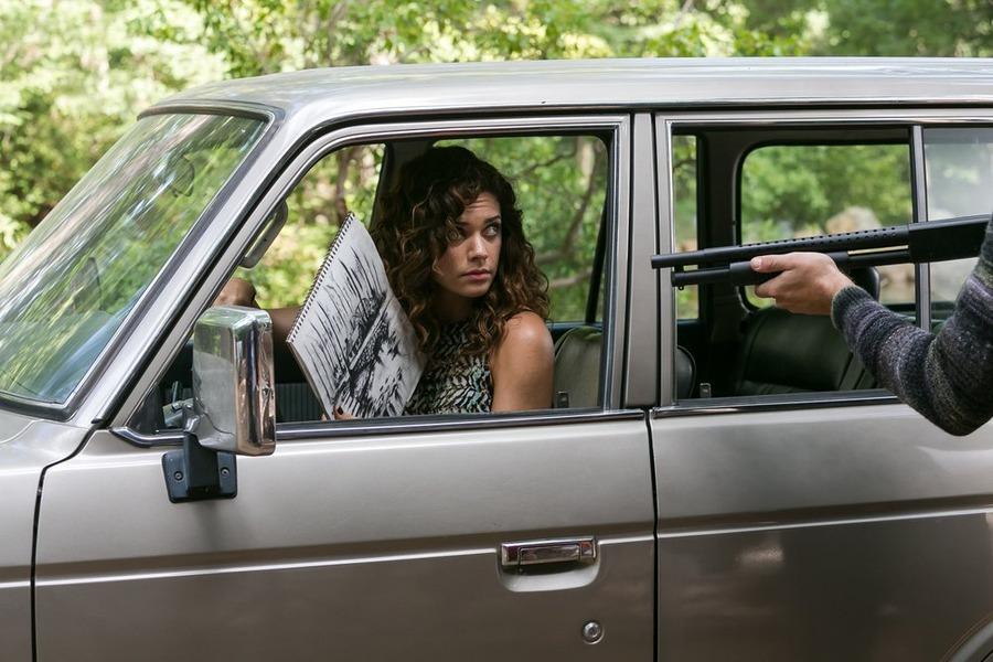 Constantine: l'attrice Angélica Celaya in una scena della puntata A Feast of Friends
