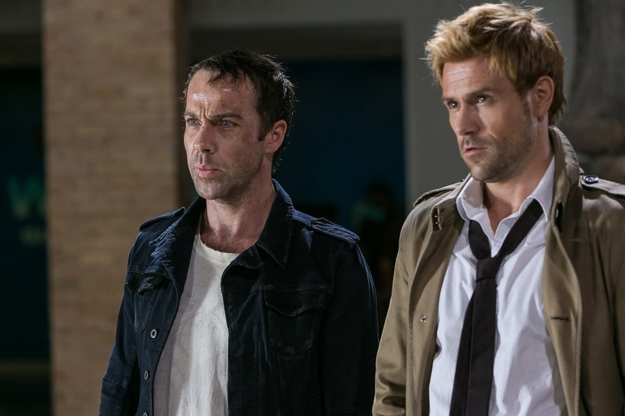 Constantine: Jonjo O'Neill e Matt Ryan nella puntata A Feast of Friends