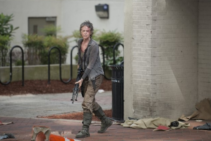 The Walking Dead: l'attrice Melissa McBride in una scena di Consumed