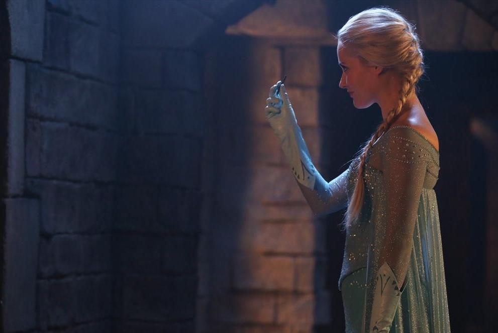 C'era una volta: Georgina Haig interpreta Elsa in Smash the Mirror