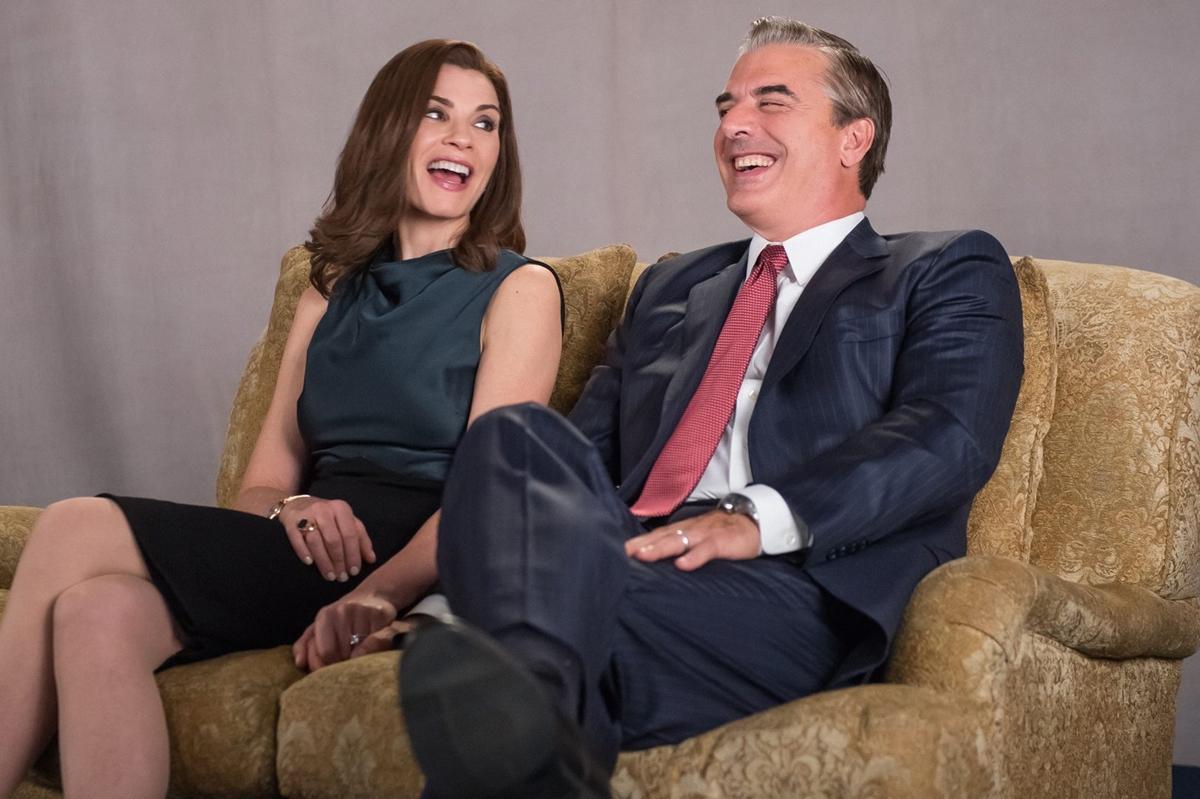 The Good Wife: Julianna Margulies e Chris Noth in una scena di Sticky Content