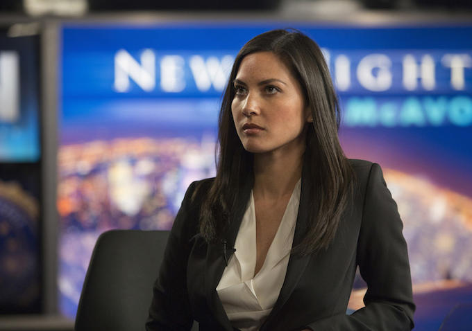 The Newsroom: l'attrice Olivia Munn in una scena dell'episodio Run