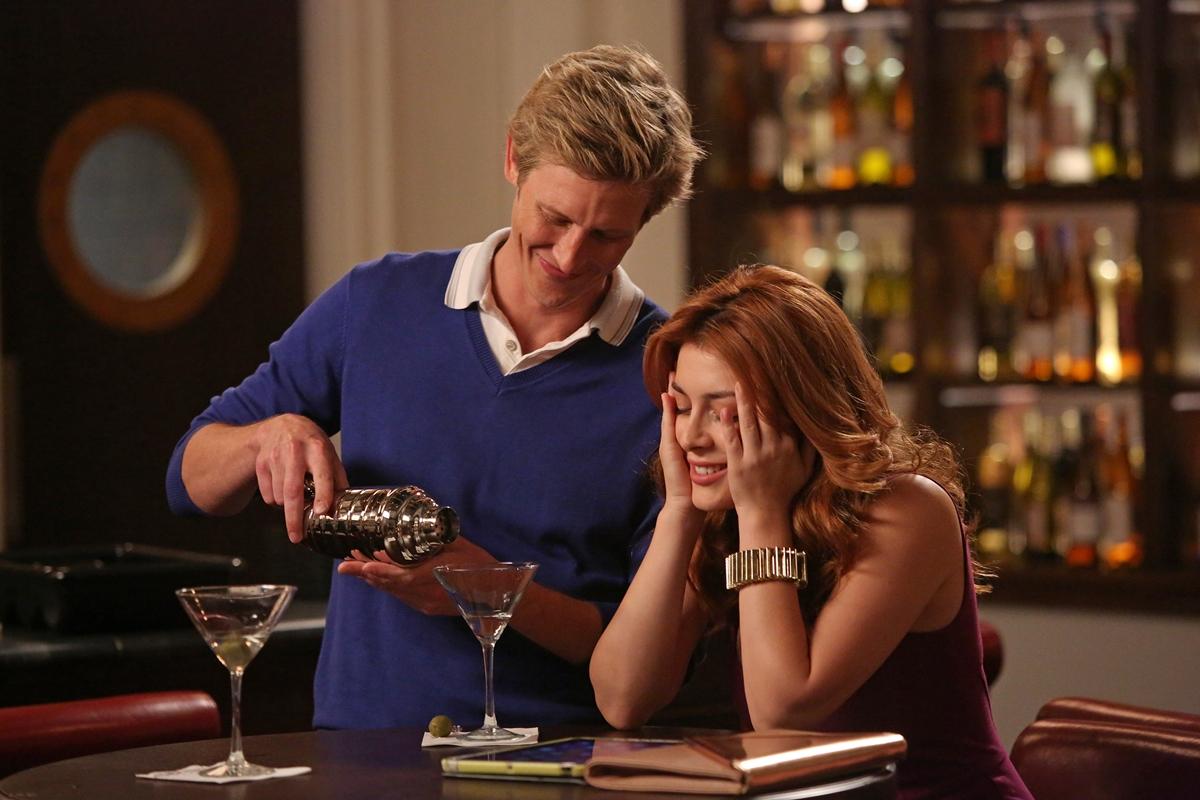 Revenge: Elena Satine e Gabriel Mann nella puntata intitolata Contact
