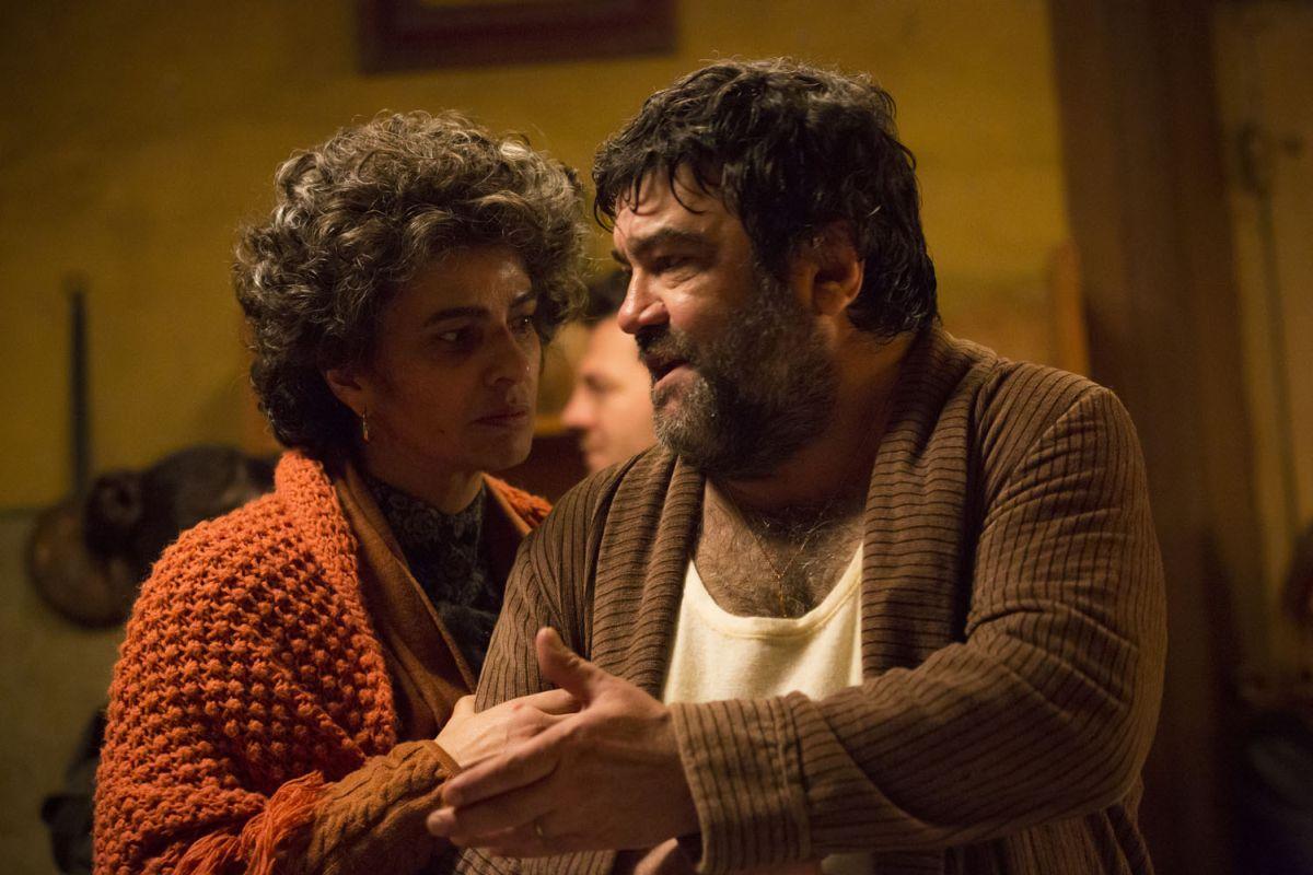 Ogni maledetto Natale: Francesco Pannofino con Laura Morante in una scena