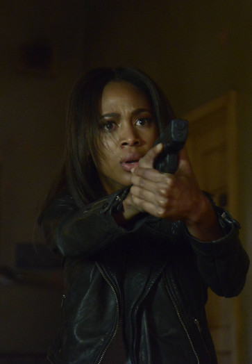 Sleepy Hollow: la protagonista Nicole Beharie in una scena della puntata Mama
