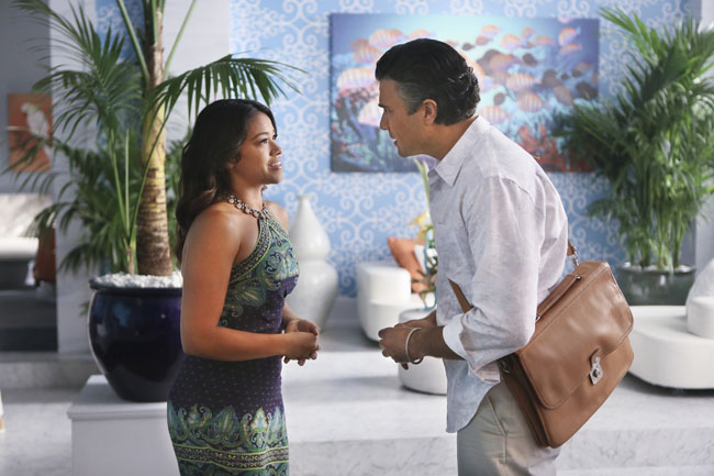 Jane the Virgin: Gina Rodriguez e Jaime Camil interpretano Jane e Rogelio in Chapter Six