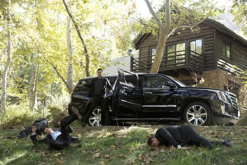 Agents of S.H.I.E.L.D.: l'attore Brett Dalton in una scena della puntata The Things We Bury
