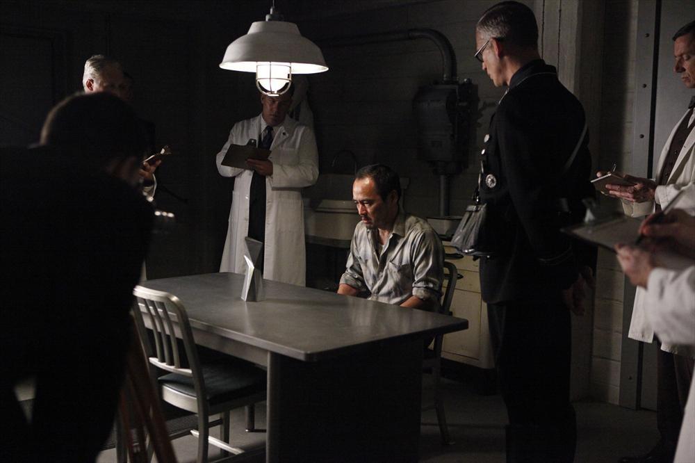 Agents of S.H.I.E.L.D.: Reed Diamond in una scena dell'episodio intitolato The Things We Bury