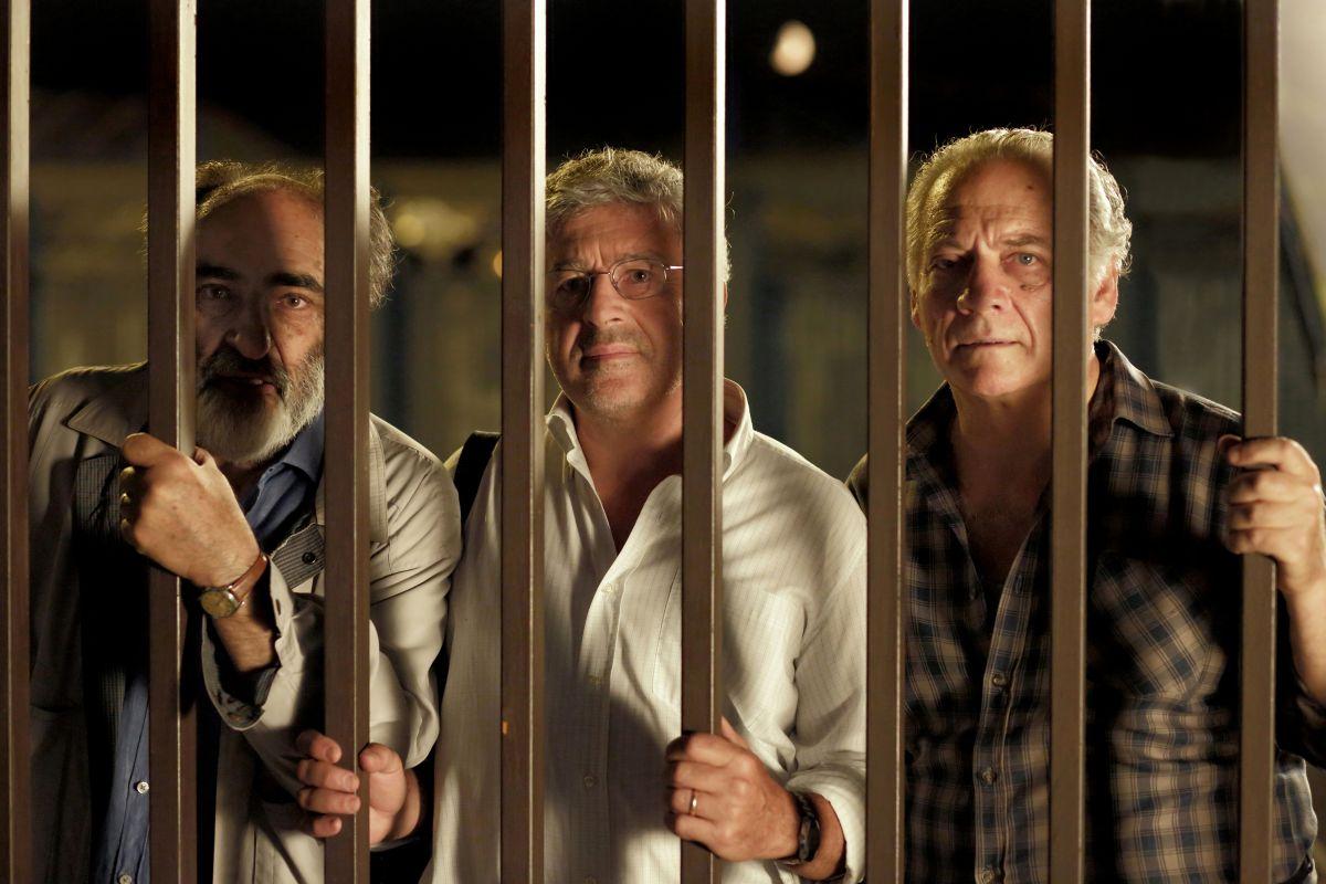 Mirafiori Lunapark: Alessandro Haber con Antonio Catania e Giorgio Colangeli in una scena del film
