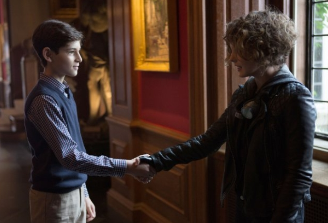 Gotham: David Mazouz e Camren Bicondova in Harvey Dent
