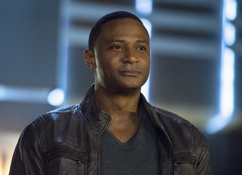 Arrow: l'attore David Ramsey nella puntata intitolata Draw Back Your Bow