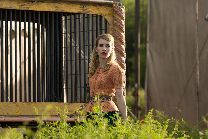 American Horror Story Freak Show: Emma Roberts in una scena della puntata intitolata Test of Strength