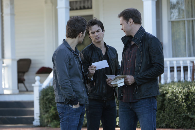 The Vampire Diaries: Paul Wesley, Ian Somerhalder e Matthew Davis in Fade Into You