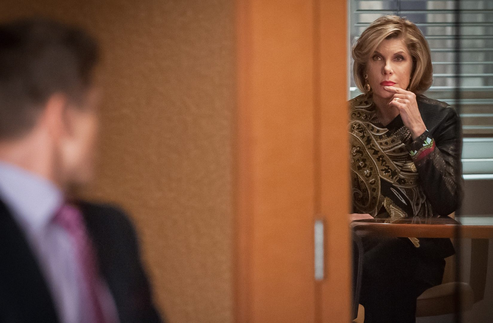 The Good Wife: Matt Czuchry e Christine Baranski in The Trial