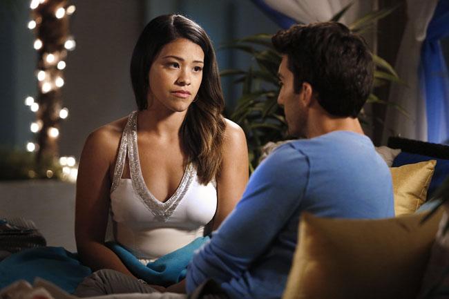 Jane the Virgin: Gina Rodriguez interpreta una scena di Chapter Seven insieme a Justin Baldoni