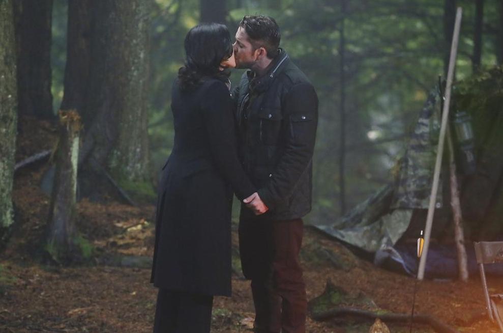 C'era una volta: Lana Parrilla e Sean Maguire nell'episodio intitolato Fall