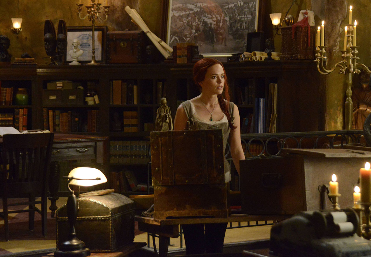Sleepy Hollow: l'attrice Katia Winter in una scena dell'episodio intitolato The Akeda