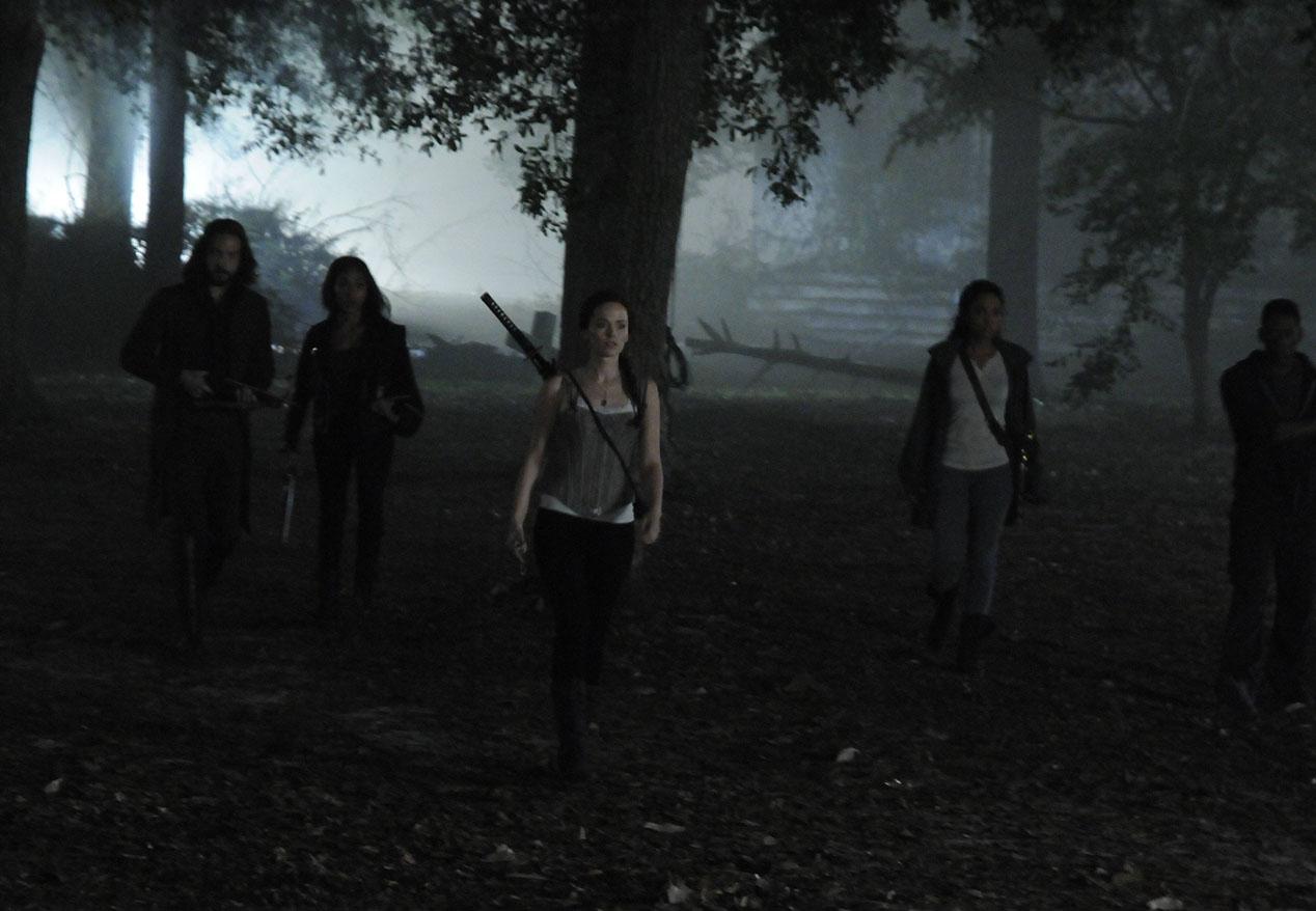 Sleepy Hollow: Tom Mison, Nicole Beharie, Katia Winter, Lyndie Greenwood e Orlando Jones in The Akeda