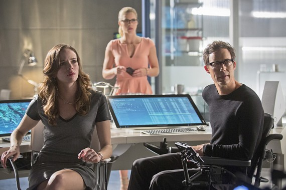 The Flash: Danielle Panabaker e Tom Cavanagh nell'episodio intitolato Flash vs. Arrow