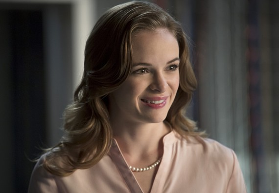 The Flash: Danielle Panabaker interpreta Caitlin Snow nell'episodio intitolato Flash vs. Arrow