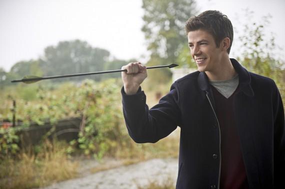 The Flash: il protagonista Grant Gustin in Flash vs. Arrow
