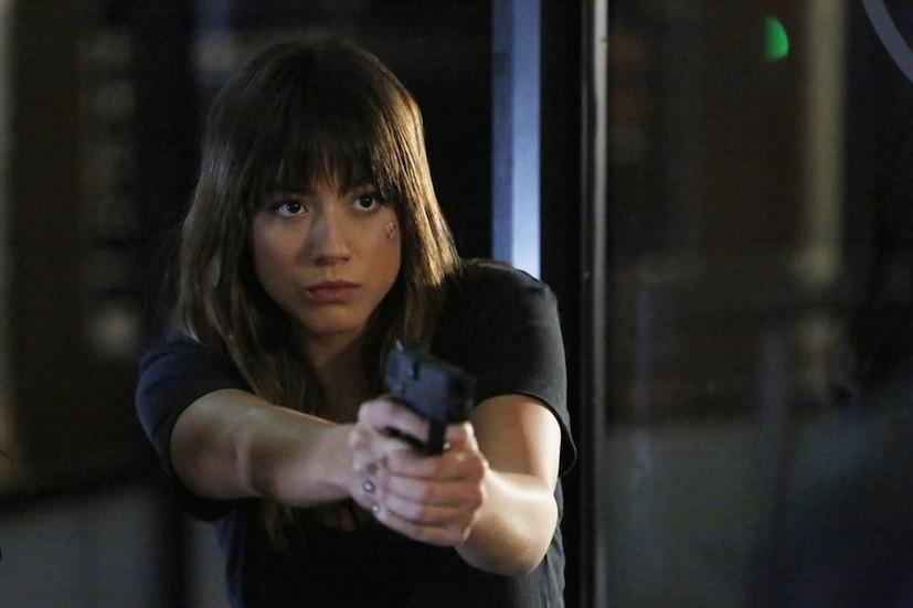 Agents of S.H.I.E.L.D.: Chloe Bennet interpreta Skye in una scena dell'episodio intitolato Ye Who Enter Here