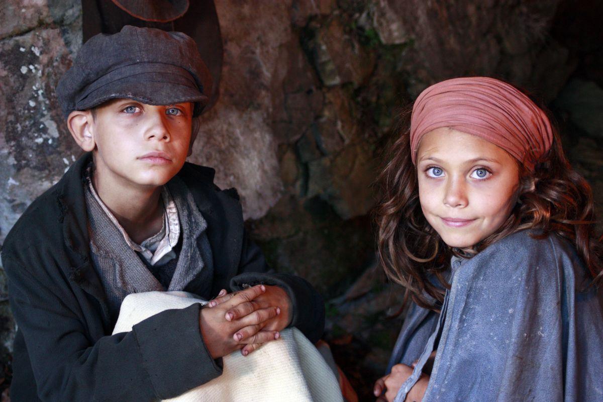 La storia di Cino: i due giovani attori Stefano Marseglia e Francesca Zara in una foto promozionale