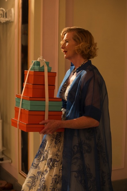 American Horror Story Freak Show: l'attrice Frances Conroy nell'episodio intitolato Blood Bath