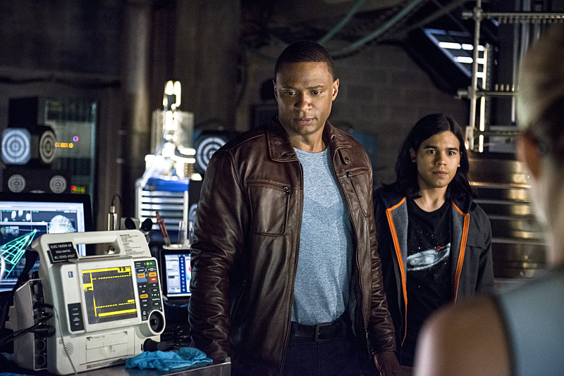 Arrow: David Ramsey e Carlos Valdes in The Brave and the Bold